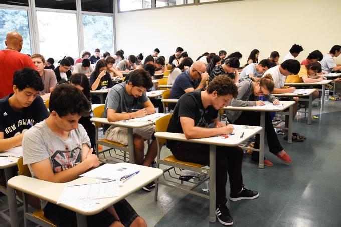 Ensino público: o rico deve pagar