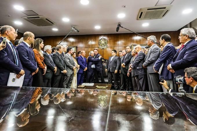 Reflexões sobre o pacto federativo